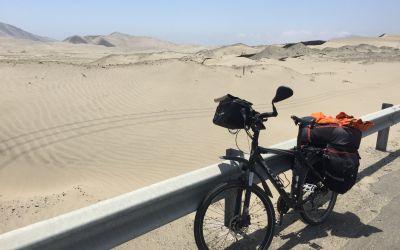 Endlose Sandwüste am Pazifik --