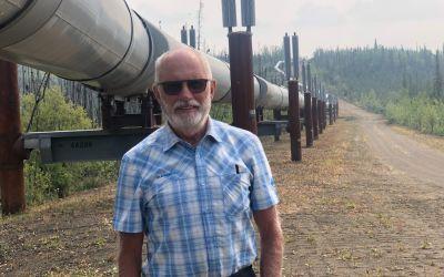 Pipeline über Boden mit WärmeRohren