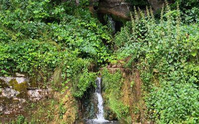 Wasser aus dem Fels