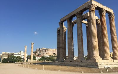 Hadrianstor mit Akropolis