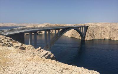 Die Brücke zur WüstenInsel Pag