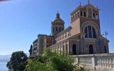 Majestätische Kirche Maria del Tindari auf Sizilien