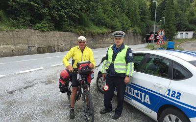 Mit Polizeihilfe durch unbeleuchteten Tunnel in Montenegro