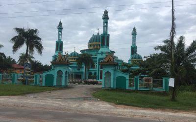 Schöne Moscheen und Kirchen unterwegs