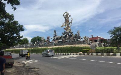 Bombastischer Empfang in meiner ZielStadt, Denpasar