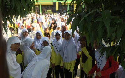 Java - gestörte muslimische Turnstunde