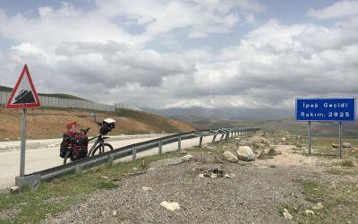 Passhöhe mit Ararat?